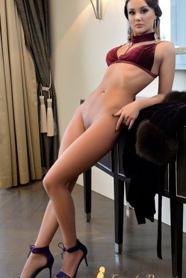Escort CARMEN QUEEN Bucharest